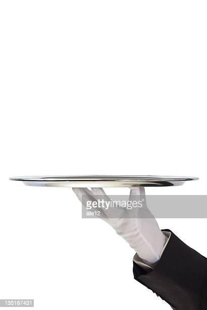 Butler tenant vide plateau argenté dans gloved hand