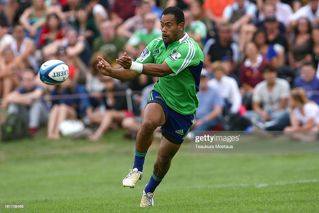 Buxton Popoalii of the Highlanders passes during the Super Rugby trial match between the Highlanders and the Blues at the Queenstown Recreation Ground on February 15, 2013 in Queenstown, New Zealand.