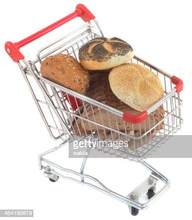 Comprar buns en cesta de compras : Foto de stock