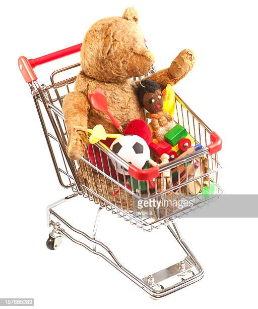 Comprar juguetes en cesta de compras