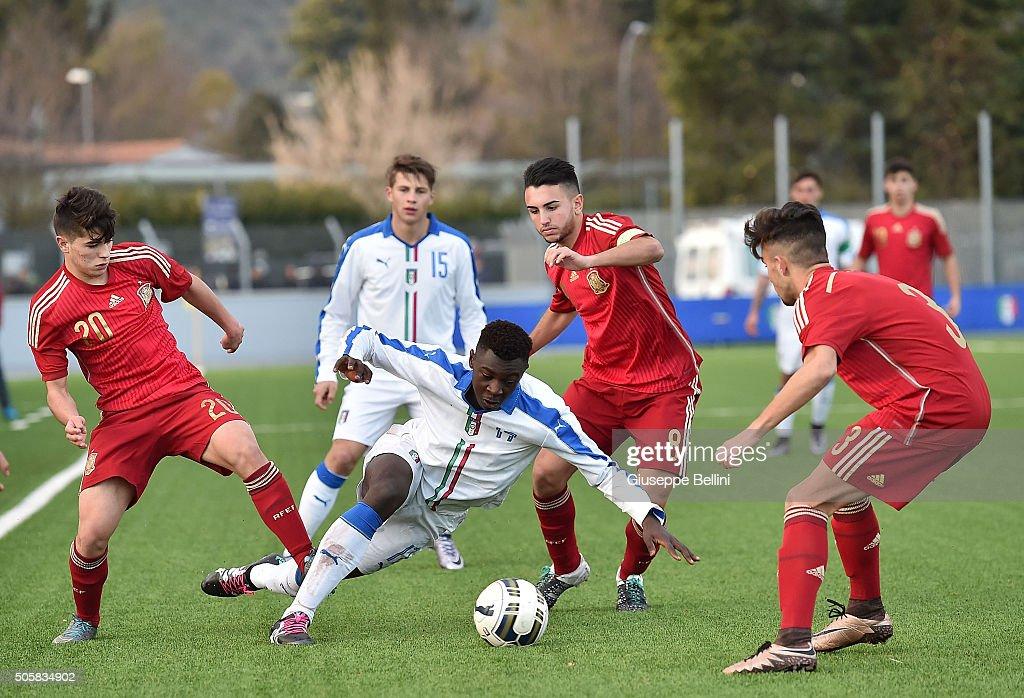 Italy U17 v Spain U17 - International Friendly : News Photo
