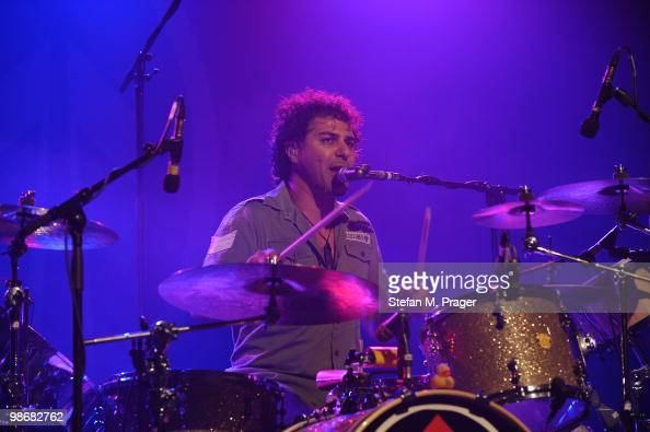John Butler Trio Stock Photos And Pictures Getty Images