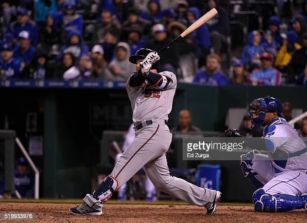 Byung Ho Park of the Minnesota Twins hits a home run in the eighth inning against the Kansas City Royals at Kauffman Stadium on April 8 2016 in...