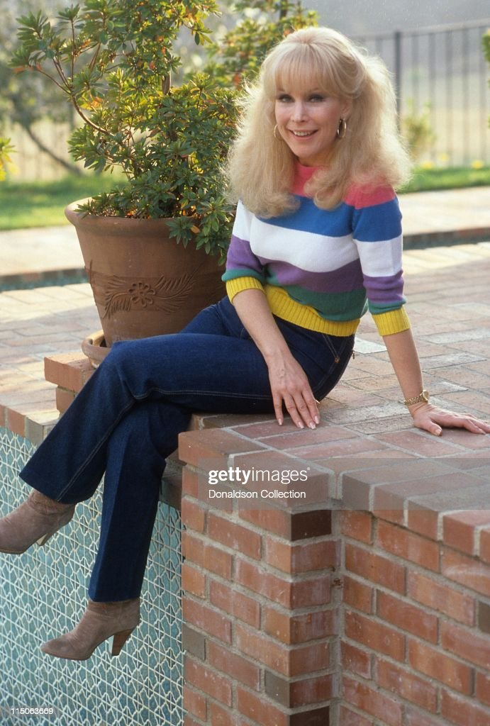 Actress <a gi-track='captionPersonalityLinkClicked' href=/galleries/search?phrase=Barbara+Eden&family=editorial&specificpeople=206974 ng-click='$event.stopPropagation()'>Barbara Eden</a> poses for a portrait c.1985 in Los Angeles, California.