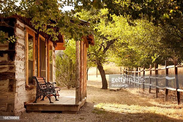 Kabine Veranda mit Bäumen und Nachbarn