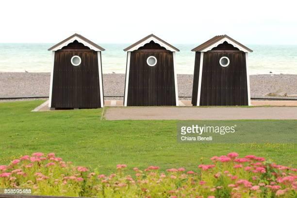 Cabins in front of the Atlantic Ocean