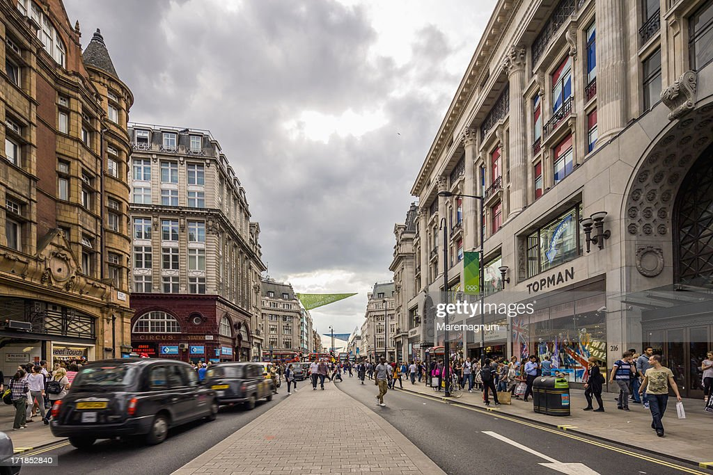 Cabs (taxis) in Oxford street