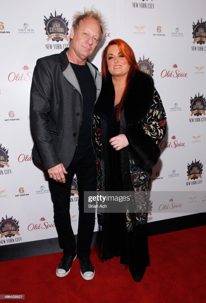 Cactus Moser and Wynonna Judd attend the 2014 Leigh Steinberg Super Bowl Party at 230 Fifth Avenue on February 1 2014 in New York City
