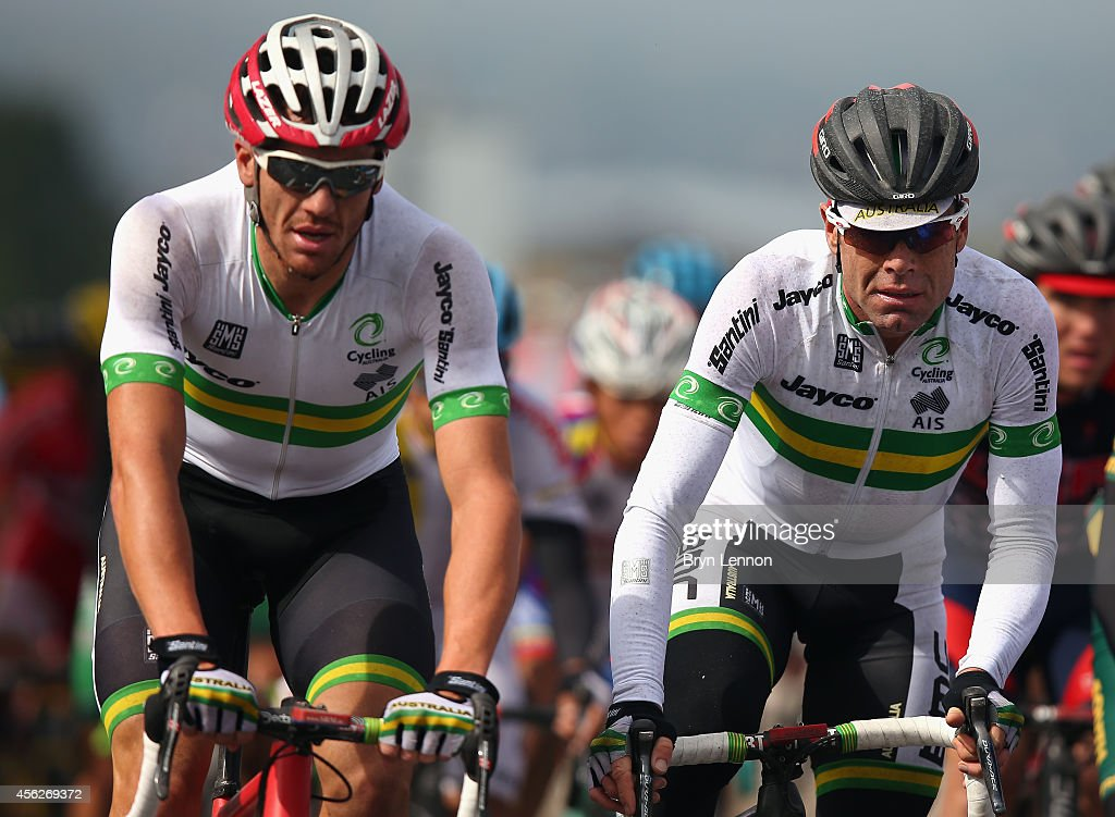 <a gi-track='captionPersonalityLinkClicked' href=/galleries/search?phrase=Cadel+Evans&family=editorial&specificpeople=661127 ng-click='$event.stopPropagation()'>Cadel Evans</a> (r) of Australia rides with team mate <a gi-track='captionPersonalityLinkClicked' href=/galleries/search?phrase=Adam+Hansen&family=editorial&specificpeople=4105944 ng-click='$event.stopPropagation()'>Adam Hansen</a> during the Elite Men's Road Race on day seven of the UCI Road World Championships on September 28, 2014 in Ponferrada, Spain.