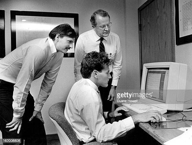 SEP 22 1986 Cadnetix Stephan Rozanski Softwre Engineer for Computer Consoles Inc and Godeon Allen Glasses Manager of Computer aided Design for the...