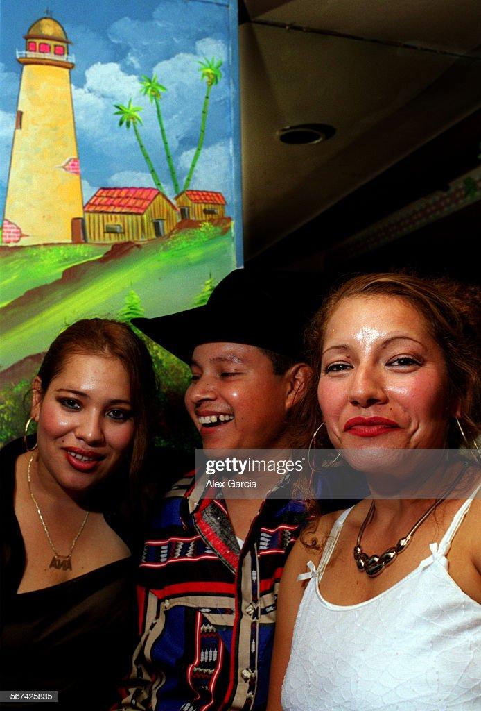 El Patio.trio.0725.AAGu2013u2013Ana Rodriguez (left