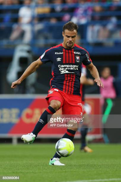 Caen's French defender Damien Da Silva passes the ball during the French L1 football match between Caen and SaintEtienne on August 12 at the Michel...