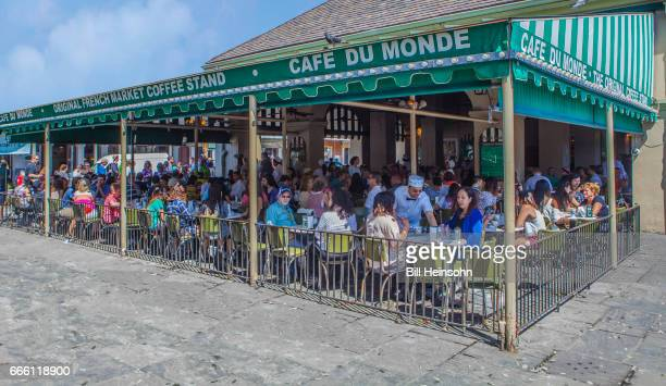 Cafe Du Monde and tourists, New Orleans, Louisiana
