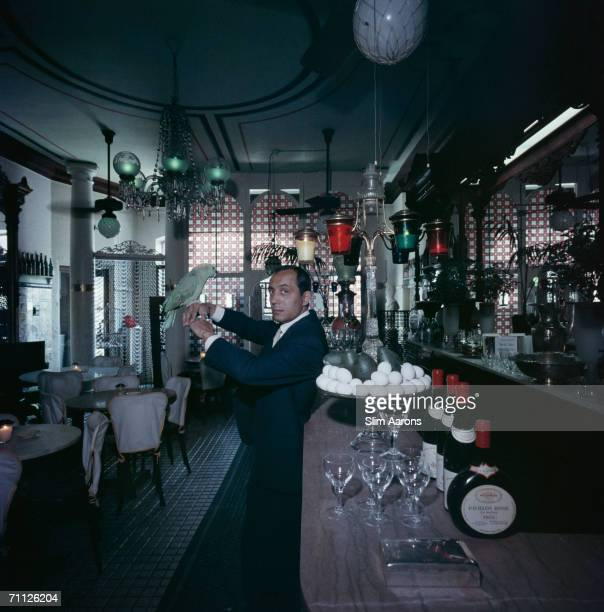 Cafe Nicholson in New York 1959