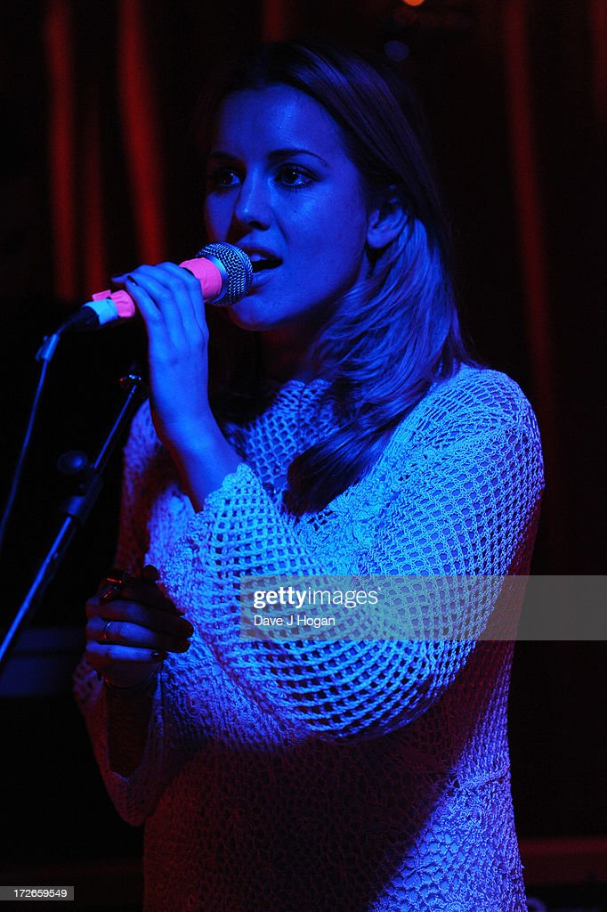 <a gi-track='captionPersonalityLinkClicked' href=/galleries/search?phrase=Caggie+Dunlop&family=editorial&specificpeople=7881532 ng-click='$event.stopPropagation()'>Caggie Dunlop</a> performs her debut set of original material at The Islington on July 4, 2013 in London, England. Caggie released her first single 'Neverland' as a free download last week