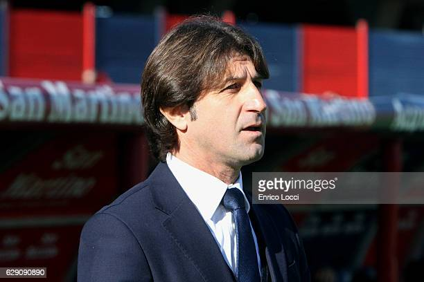 Cagliari's coach Massimo Rastelli looks on during the Serie A match between Cagliari Calcio and SSC Napoli at Stadio Sant'Elia on December 11 2016 in...