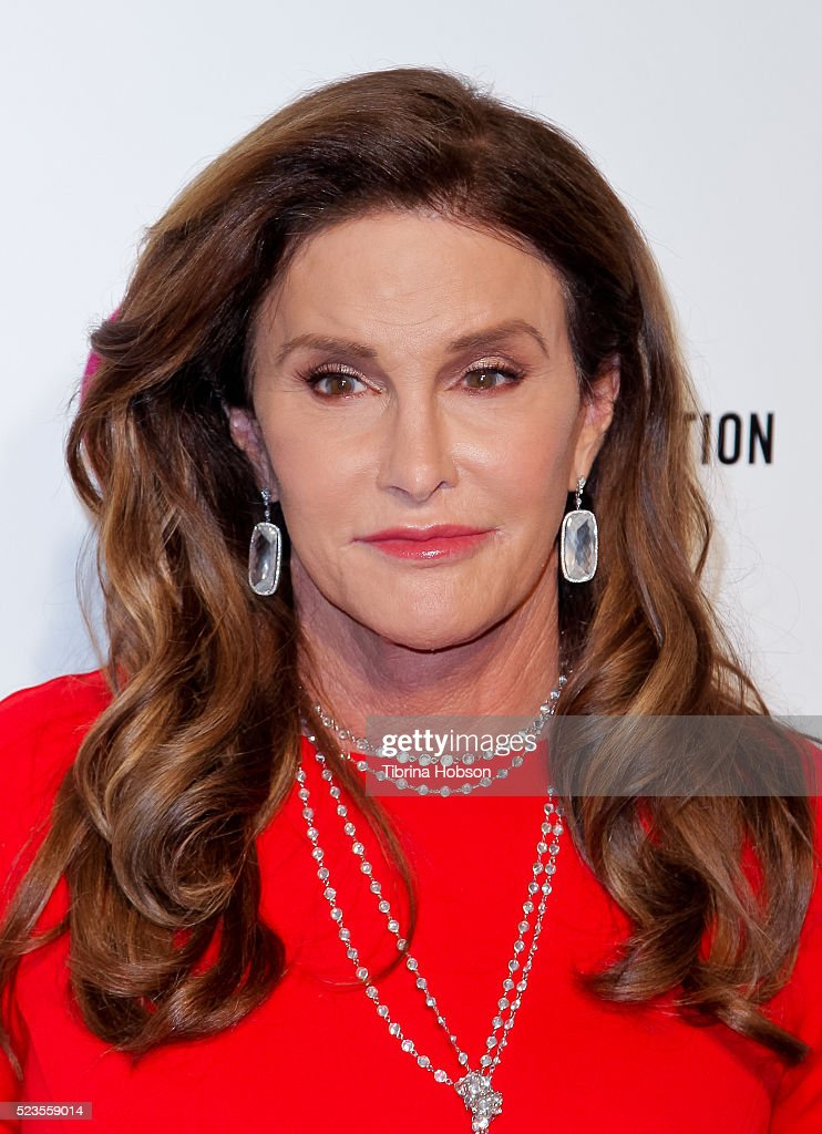Caitlyn Jenner attends the 24th annual Elton John AIDS Foundation's Oscar Party on February 28, 2016 in West Hollywood, California.