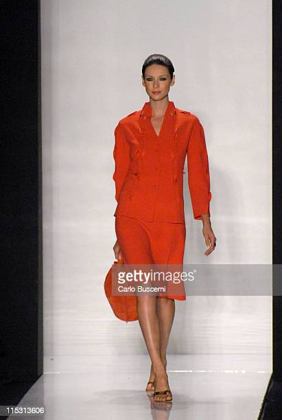 Caitriona Balfe wearing Chado Ralph Rucci Spring 2007