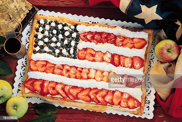 Cake decorated with the American flag