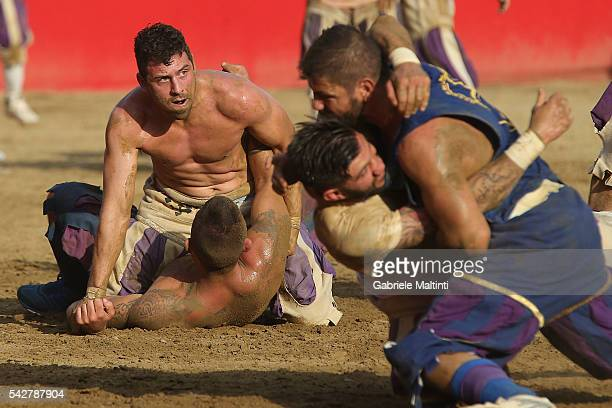 Calcianti of the Santo Spirito Bianchi Team and Santa Croce Team fight during the final match at the La Santa Croce square on June 24 2016 in...