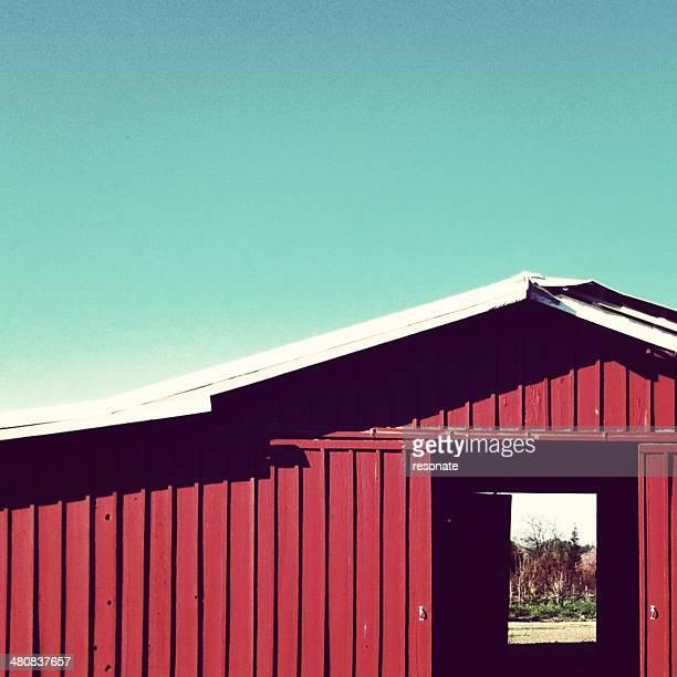 USA, California, Central Valley, Red barn doors