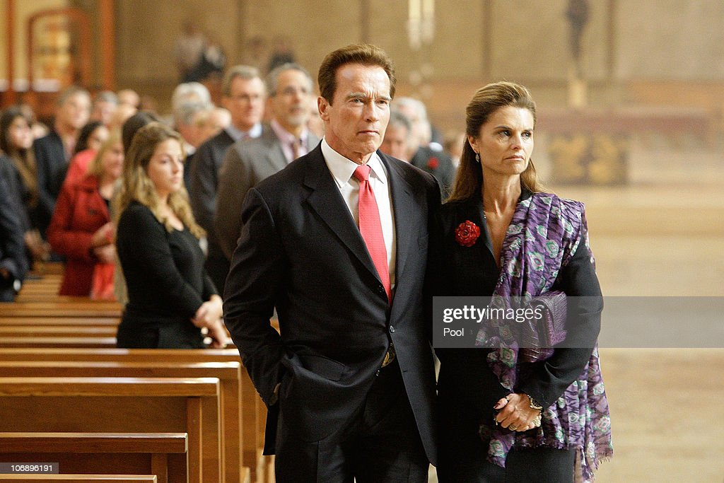 California Governor Arnold Schwarzenegger and wife Maria Shriver attend the funeral Mass for Italian film mogul and Hollywood producer Dino De...