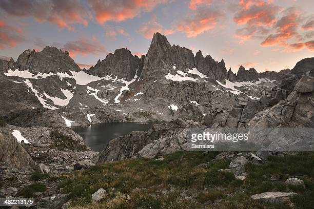 USA, California, Inyo National Forest, Sunset over Minarets