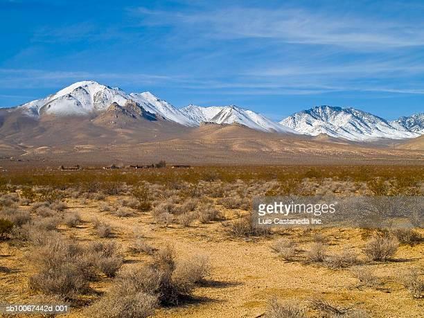 USA, California, Kern County, Inyokern, Eastern Sierra Nevada with Owens Peak