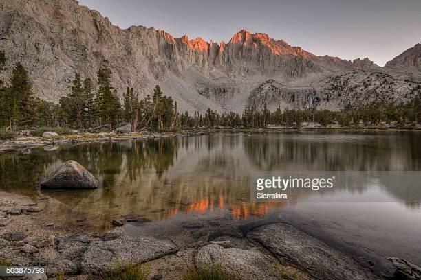 USA, California, Kings Canyon National Park, Matlock Lake and University Peak