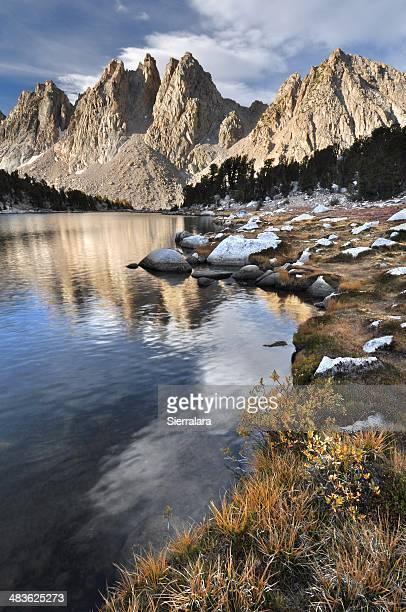 USA, California, Kings Canyon National Park, View of Kearsarge Lake in Fall