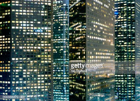 USA, California, Los Angeles, downtown buildings at night : Stock-Foto