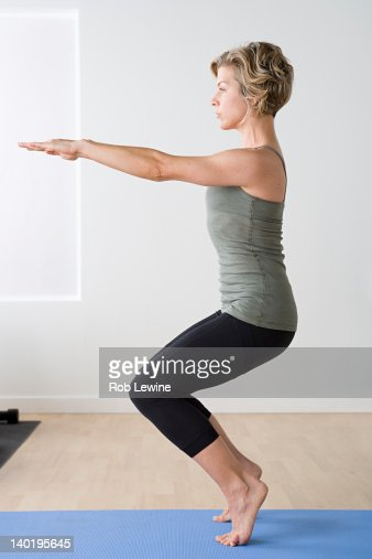 USA, California, Los Angeles, Woman exercising in gym