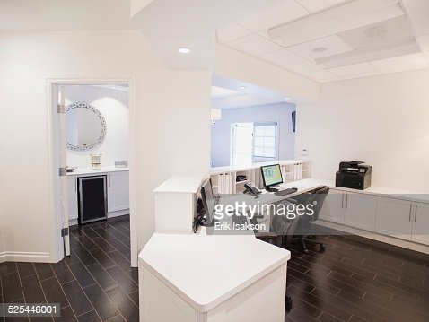 USA, California, Mission Viejo, View of empty reception desk in clinic