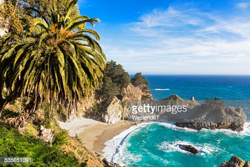 USA, California, Pacific Coast, National Scenic Byway, Big Sur, McWay Falls and McWay Cove, Julia Pfeiffer Burns State Park