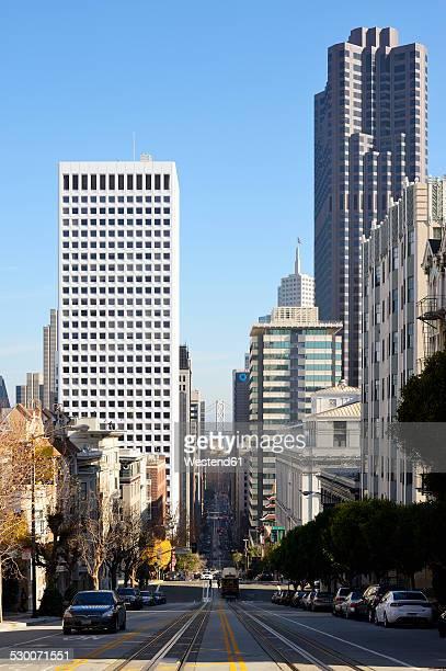USA, California, San Francisco, view along California Street to Oakland Bay Bridge