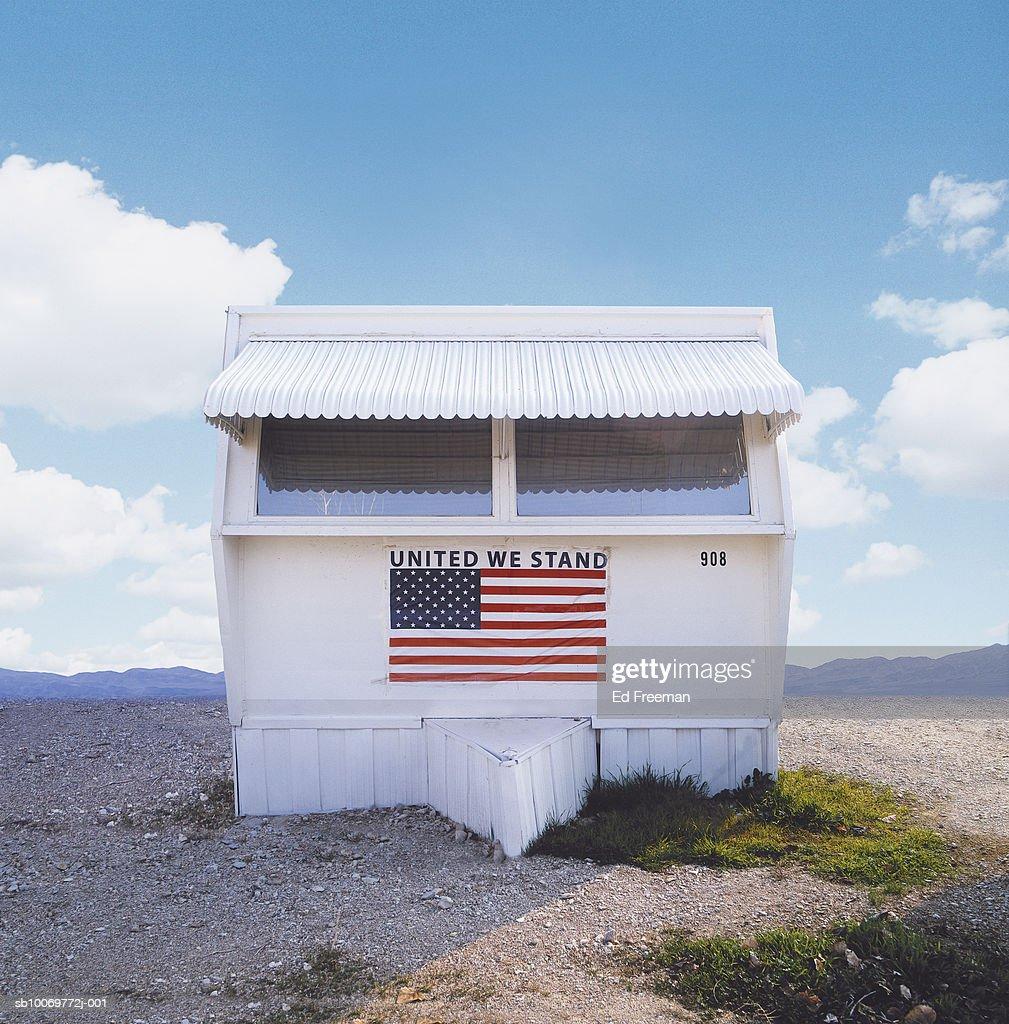 USA, California, San Joaquin Valley, Trailer with flag, close-up