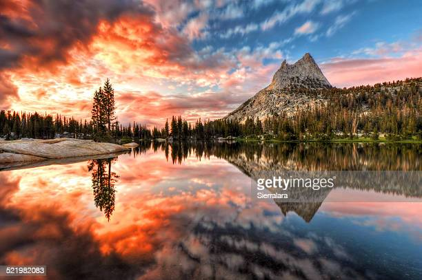 USA, California, Yosemite National Park, Last Light at Cathedral Lake
