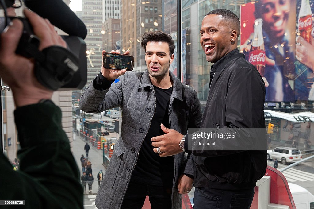 Calloway interviews Jencarlos Canela during his visit to 'Extra' at their New York studios at HM in Times Square on February 10 2016 in New York City