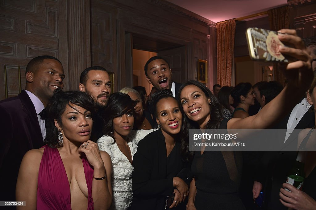 A. J. Calloway, Jesse Williams, Regina King, Rosario Dawson and Kerry Washington attend the Bloomberg & Vanity Fair cocktail reception following the 2015 WHCA Dinner at the residence of the French Ambassador on April 30, 2016 in Washington, DC.