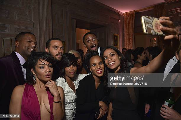 A J Calloway Jesse Williams Regina King Rosario Dawson and Kerry Washington attend the Bloomberg Vanity Fair cocktail reception following the 2015...