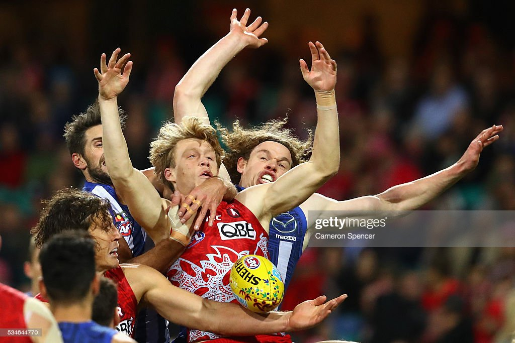 Callum Mills of the Swans attempts a mark during the round 10 AFL match between the Sydney Swans and the North Melbourne Kangaroos at Sydney Cricket Ground on May 27, 2016 in Sydney, Australia.