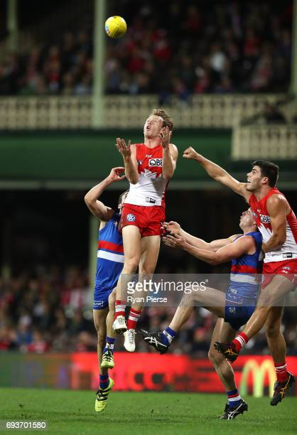 Callum Mills of the Swans marks during the round 12 AFL match between the Sydney Swans and the Western Bulldogs at Sydney Cricket Ground on June 8...