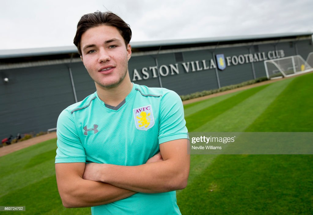 Callum O'Hare Signs a New Contract at Aston Villa