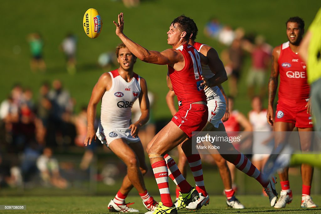 Callum Sinclair of the Red Team spoils during the Sydney Swans AFL intra-club match at Henson Park on February 12, 2016 in Sydney, Australia.