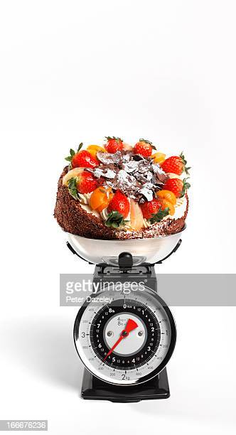 Calorie counting with kitchen scales