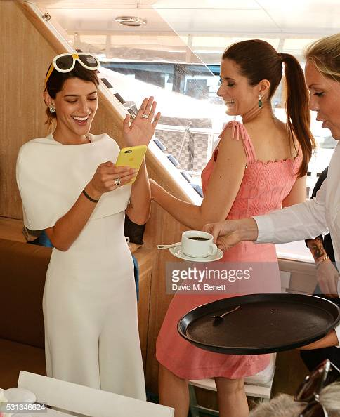 calu-rivero-and-livia-firth-attend-a-private-lunch-hosted-by-colin-picture-id531346624