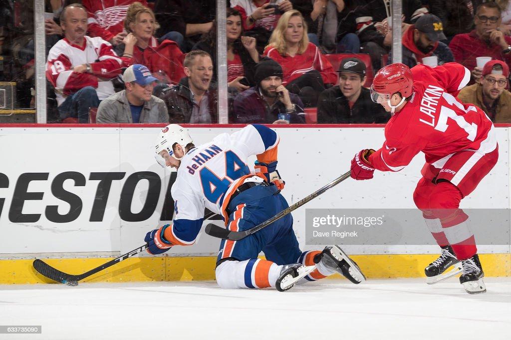 New York Islanders v Detroit Red Wings