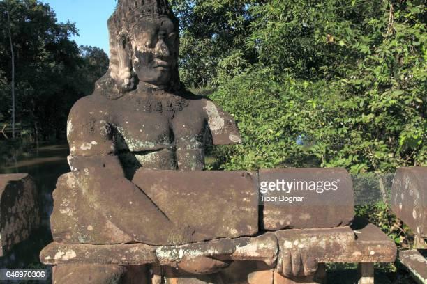 Cambodia, Angkor, Preah Khan, walkway, statue,