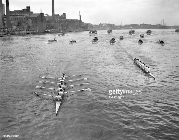 Cambridge ahead in the 1960 Boat Race leading by quarter of a length They were to beat Oxford by three and a half lengths to win