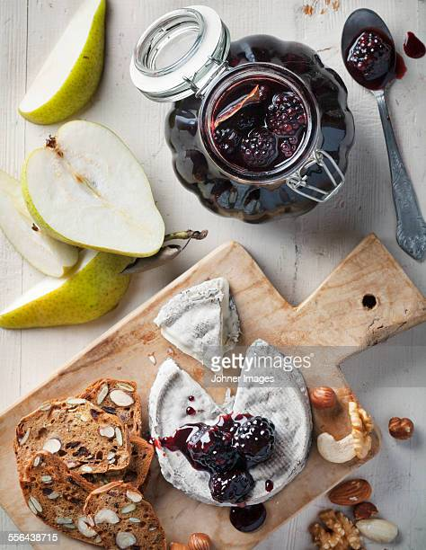 Camembert with blackberry sauce and nut bread